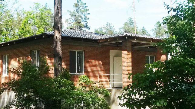Новый кирпичный дом в лесной части КГ Стоянка1, рядом с Киевом. Хозяин