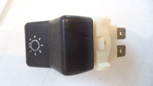 Переключатель клавиша ВАЗ-2107 света фар габаритов и ближнего света