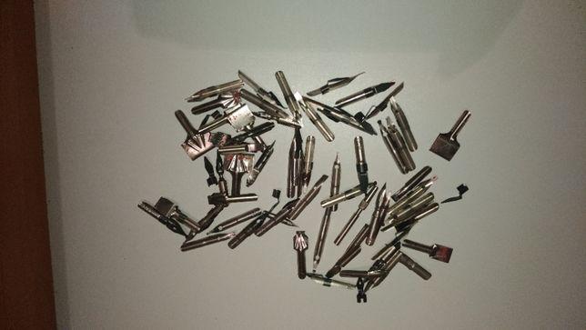 Перья для чернильных ручек.