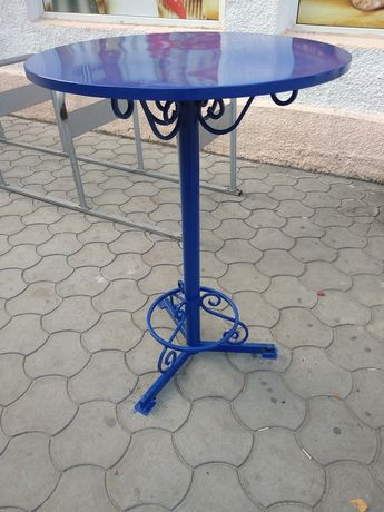 Металлический столик барный