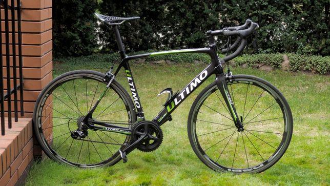 Rower szosowy ULTIMO Shimano 105, Carbon, Karbon