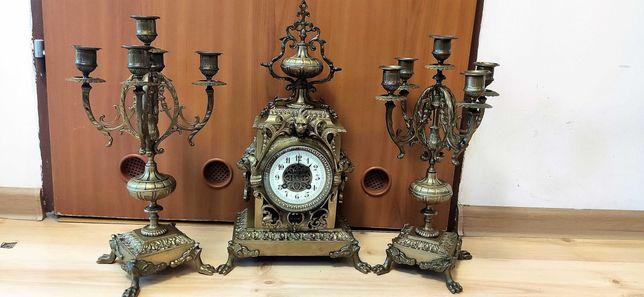 Niespotykany, zegar kominkowy z kandelabrami mosiądz XIX wiek