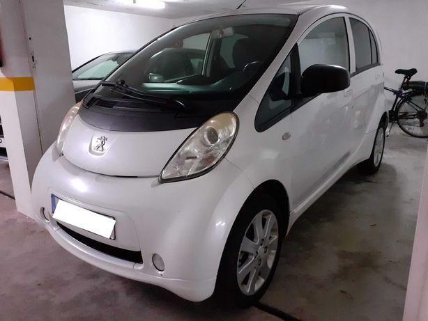 Peugeot iON 100% elétrico c/24.900 km