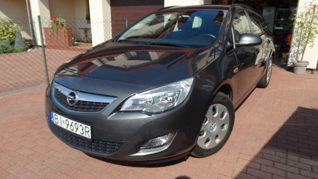Opel Astra J 1.4, polski salon, niski przebieg