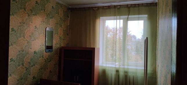 Здається окрема кімната для однієї дівчини. Без посередників