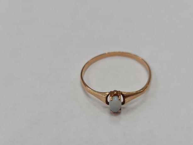 Wyjątkowy złoty pierścionek damski/ 585/ Opal/ 1.31 g/ R22