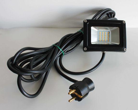 Projector / Holofote LED compacto 20W com 6,50m de cabo