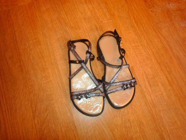 jak nowe sandałki rozmiar 30