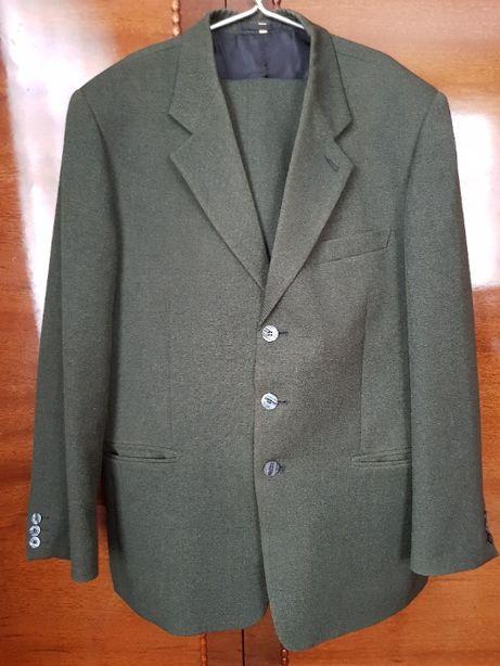 Мужской костюм-размер 50