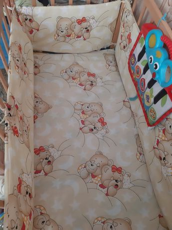 Продам постельное в детскую кроватку, бортики