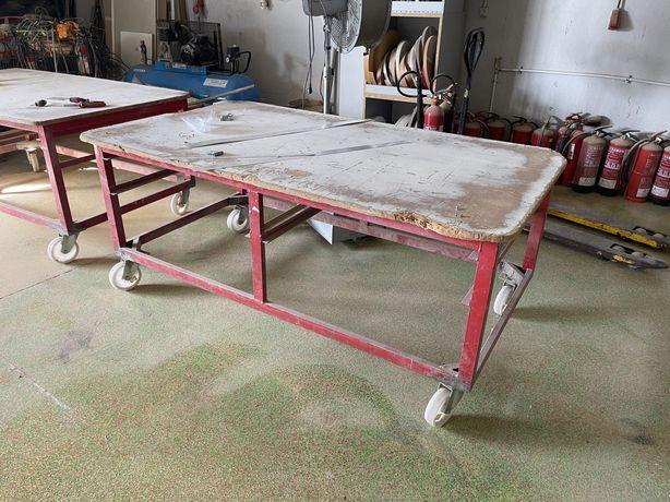 Bancada de carpinteiro com rodas