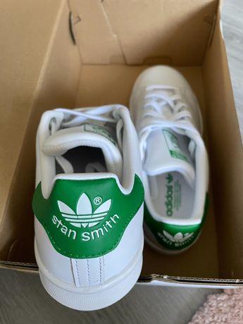 "Vendo sapatilhas adidas ""Stan Smith"" novos"