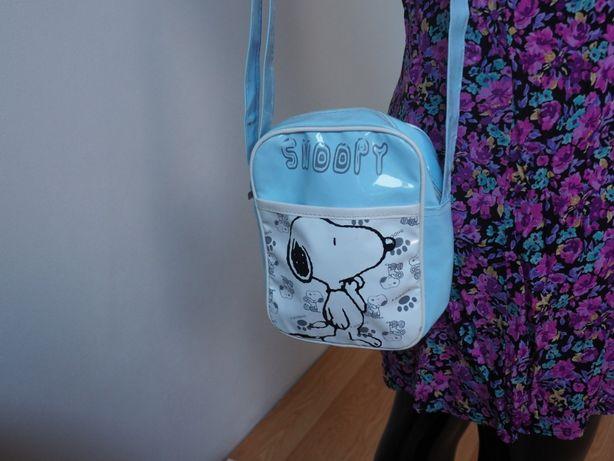 Mała torebka listonoszka Snoopy lakierowana