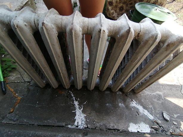 Б/у радиатор отопления чугунный (батарея) 9 секций