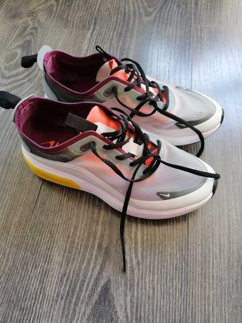 Sapatilhas Nike tam 36