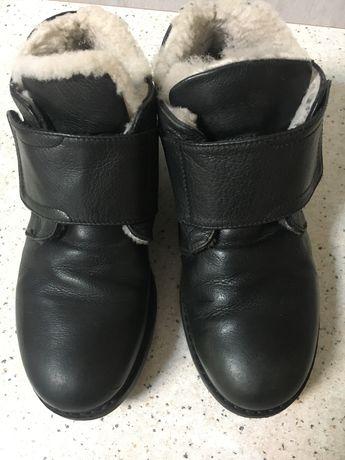 Шкіряні зимові черевички на липучці