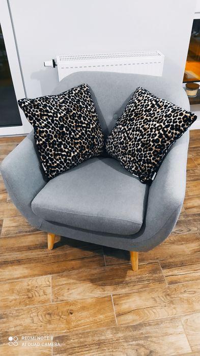 Fotel szary na drewnianych nóżkach Ożarów Mazowiecki - image 1
