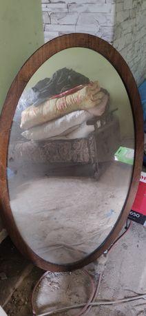Duże lustro w dobrym stanie