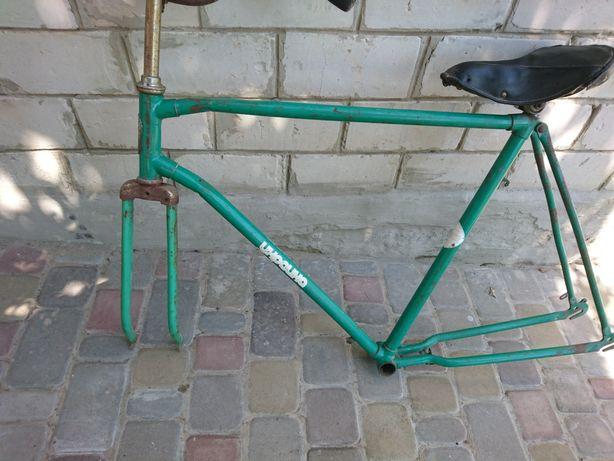 """Продам раму с рулем и вилкой на велосипед """"Украина"""""""