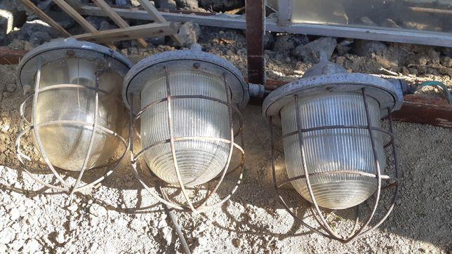 Stara Lampa oświetlenie spiżarni magazynu