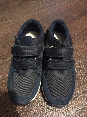 Детская обувь, кроссовки и сандали