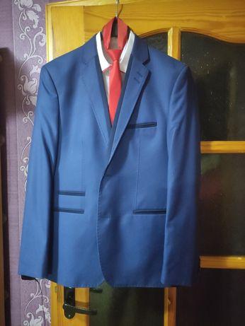 Костюм чоловічий синій (48 розмір) 500 грн