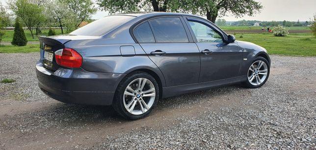 BMW e90 2.0d 143km. 2008r Manual Ładna Bez Wkładu Dwa kpl. Kół