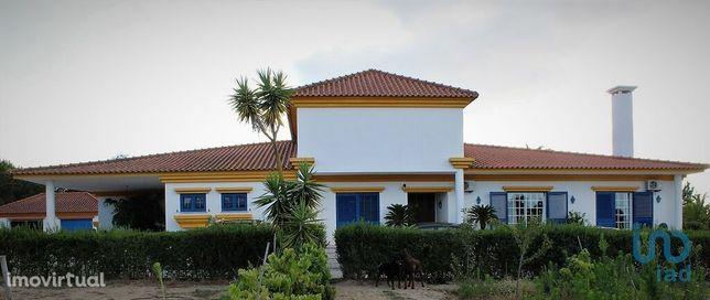 Moradia - 447 m² - T5