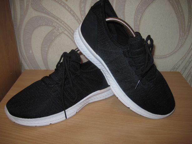 Продам лёгкие удобные кроссовки для спорта 38 размера