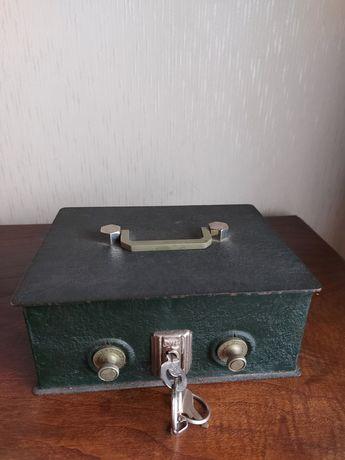 Cofre metálico - anos 60