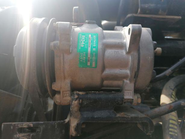 Sprężarka klimatyzacji Massey Ferguson seria 3000,4200,6100,8100,8200