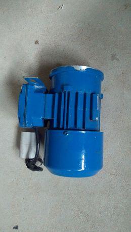 silnik elektryczny 0.09kw stosowany do podajników paliwa stałego