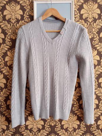 Віддам нарядний чоловічий светр 48/50 розмір