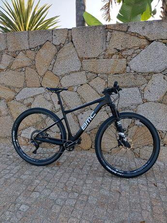 Bicicleta BMC 2021  roda 29 em carbono (Nova)