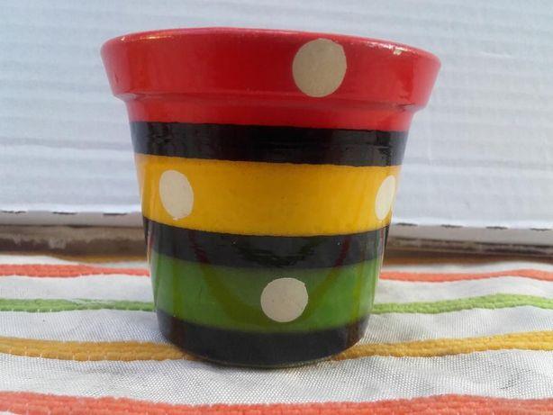 Vasos antigos em miniatura