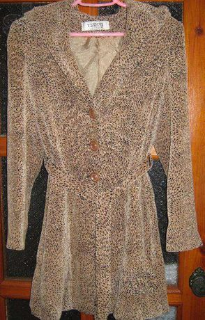 Продам модное весна-теплая осень женское пальто с капюшоном,44-46р.