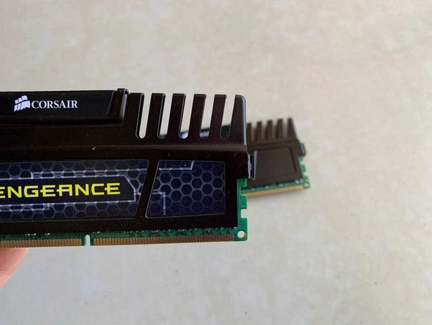 Оперативная память ОЗУ DDR3 Corsair vengeance 4+4 Gb 1600Mhz Cl9
