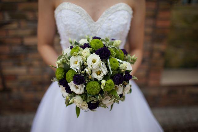 Suknia ślubna S princessa biała z kryształkami