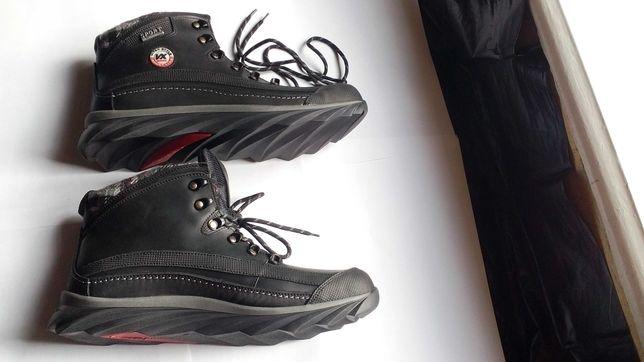 Зимові черевики, нові, на хутрі, 43 р., без коробки.