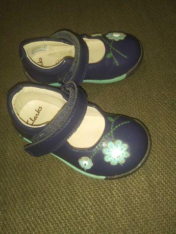 Clarks туфельки для дівчинки