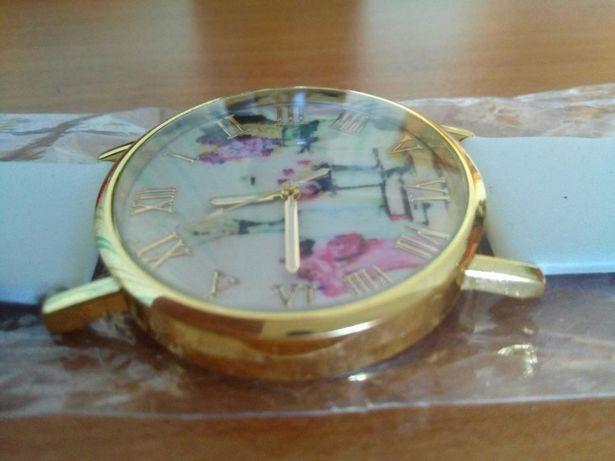 Часы с белым ремешком, золотой римский, циферблат, часики женские!