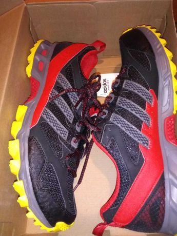 Buty Adidas,nowe, oryginalne 45 1/3 Nike Puma