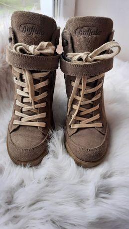 Ботинки (сникерсы)