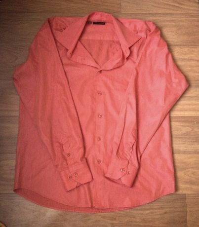 Рубашка мужская морковно-кирпичного цвета (не розовая как на фото)