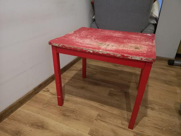 Stoliczek IKEA idealny jako roboczy