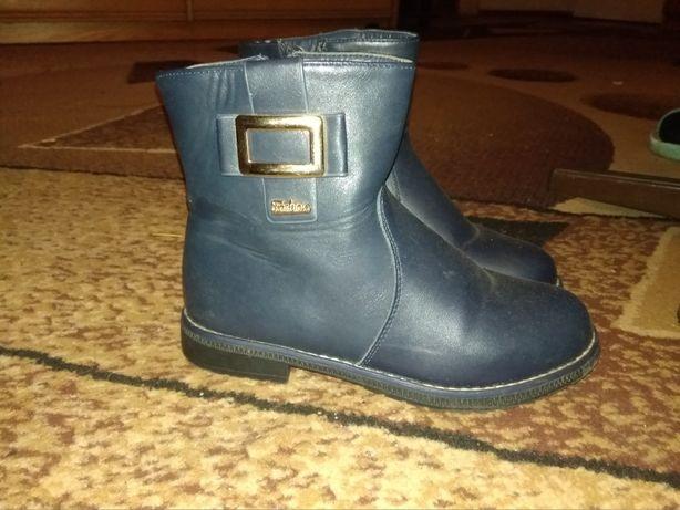 Продам дитяче взуття для дівчинки 33 розмір