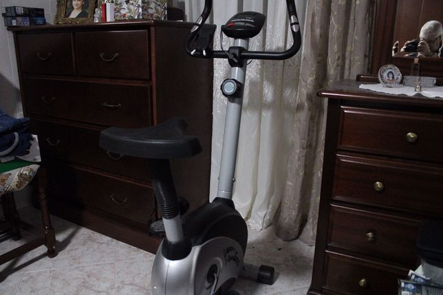 Bicicleta exercício nova