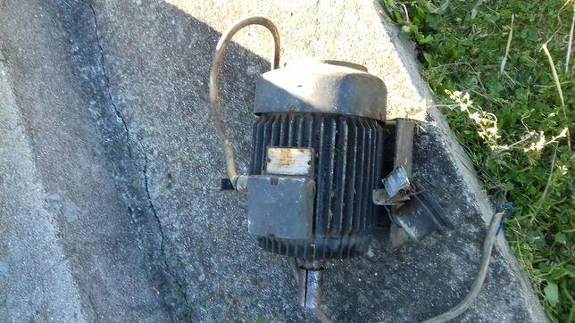 Motor eléctrico trifásico 2 cavalos