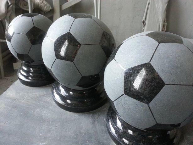 Шары из гранита, футбольный мяч из гранита, гранитные мячи, шары.