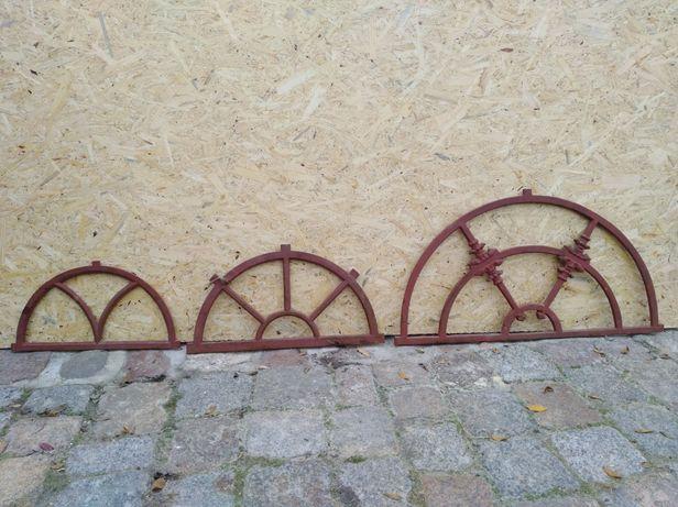 Okno żeliwne półokrągłe
